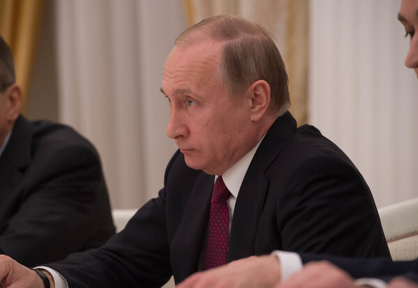 Putin Seeks Reelection, Backed by Russian Parliament