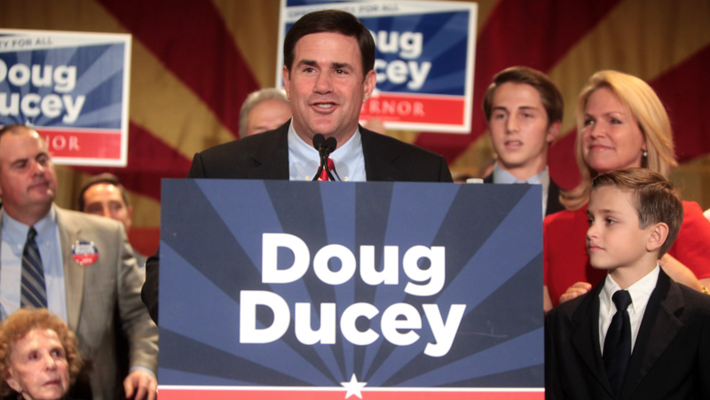 Arizona Gov. Ducey to pull Nike incentives over Colin Kaepernick controversy
