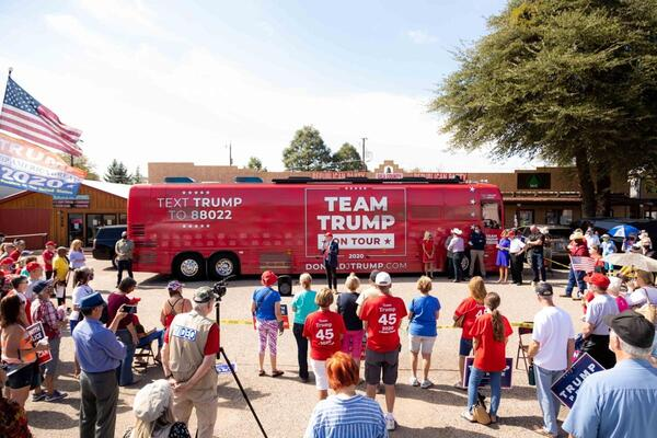 Trump campaign bus makes stop in Payson