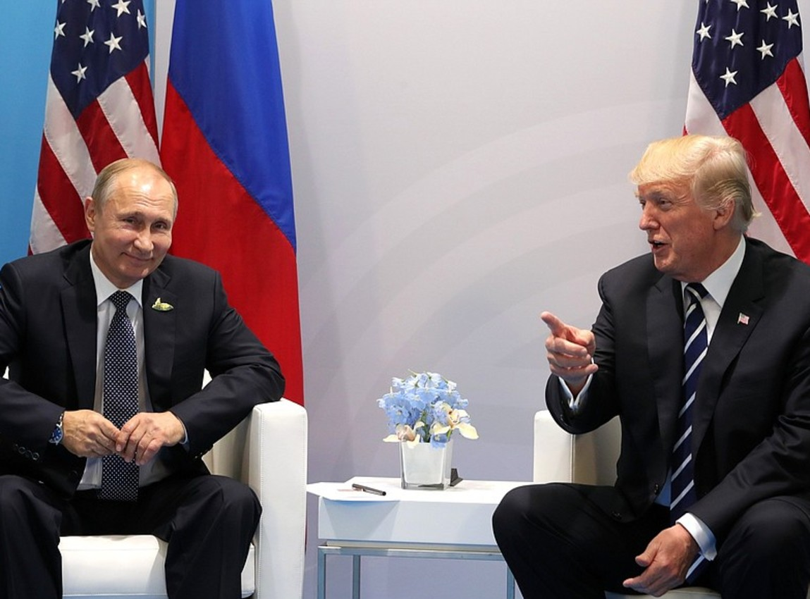Trump Declines to Back U.S. Intel Conclusion That Russia Meddled in Election