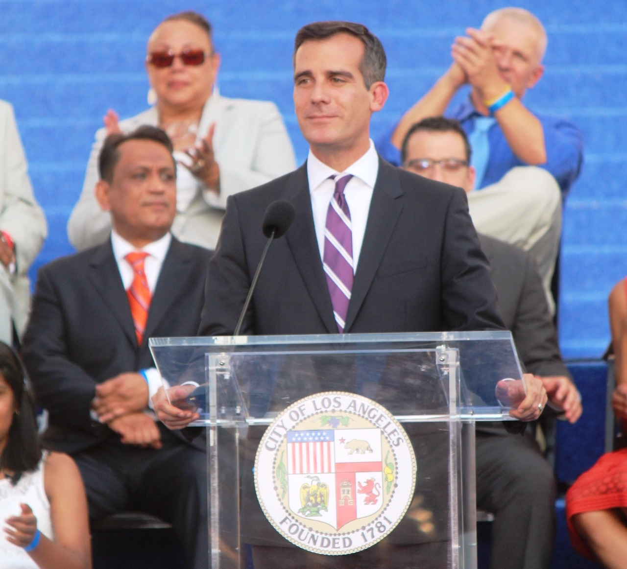 'It's Time to Cancel Everything': LA Mayor Issues Stricter Stay-at-Home Order