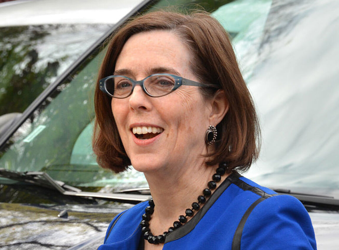 Oregon Governor Wants You to 'Uninvite' Family for Thanksgiving, But Had No Issues with BLM Protests