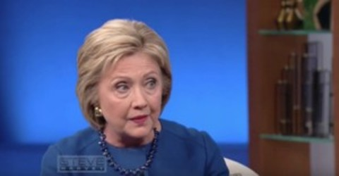 'Heckuva Gaffe': Clinton References Constitution While Talking Gun Control, Then Makes Obvious Error