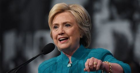 Clinton Weaknesses Spotlighted in New Poll