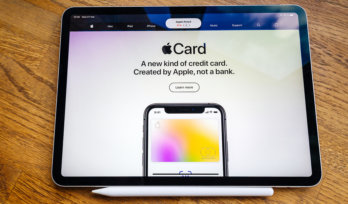 Apple's 'big story' this holiday season is its credit card, analyst says