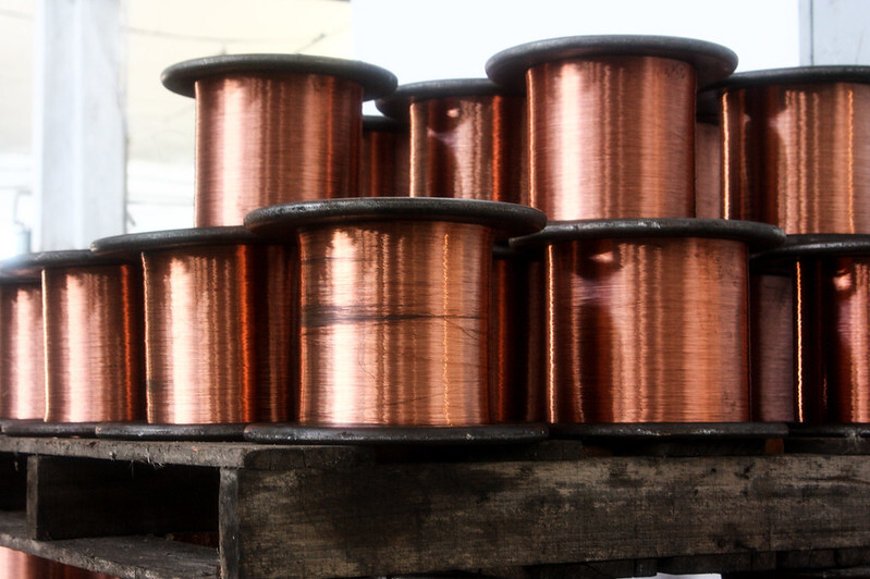 METALS-Copper hovers near eight-year high as Chinese holiday starts