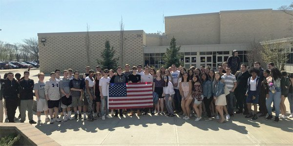 High school students at Riverhead High School in New York walk out of class in support of Second Amendment on May 2 (Photo: Twitter)