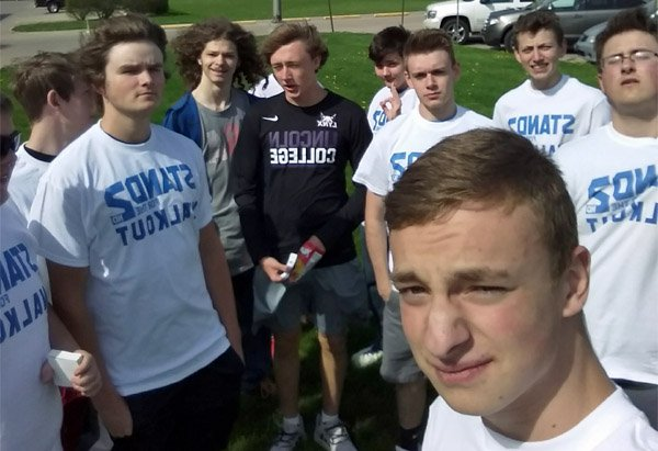 Students gather outside Lincoln Community High School in Lincoln, Illinois on May 2 to show support for the Second Amendment (Photo: Twitter)