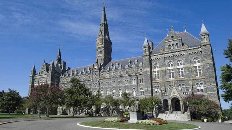 Georgetown Students Call for Arming Campus Police