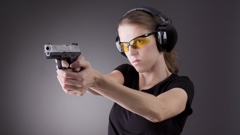 Detroit Women Can Learn to Shoot for Free