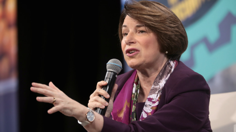 Amy Klobuchar backs 'Green New Deal,' promises executive action on gun control in first 100 days