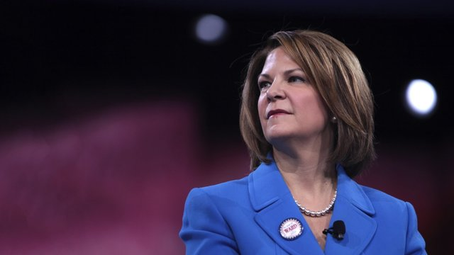 Dr. Kelli Ward raises money to replace