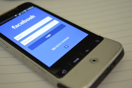How Does Social Media Affect Our Political Decisions?