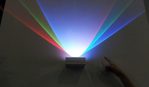Internet by light promises to leave Wi-Fi eating dust