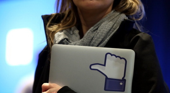 REPUBLICAN CONSULTANTS KEEPING FAITH WITH FACEBOOK