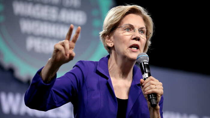 Elizabeth Warren Cozies Up To DNC After Accusing It Of Rigging The 2016 Primary
