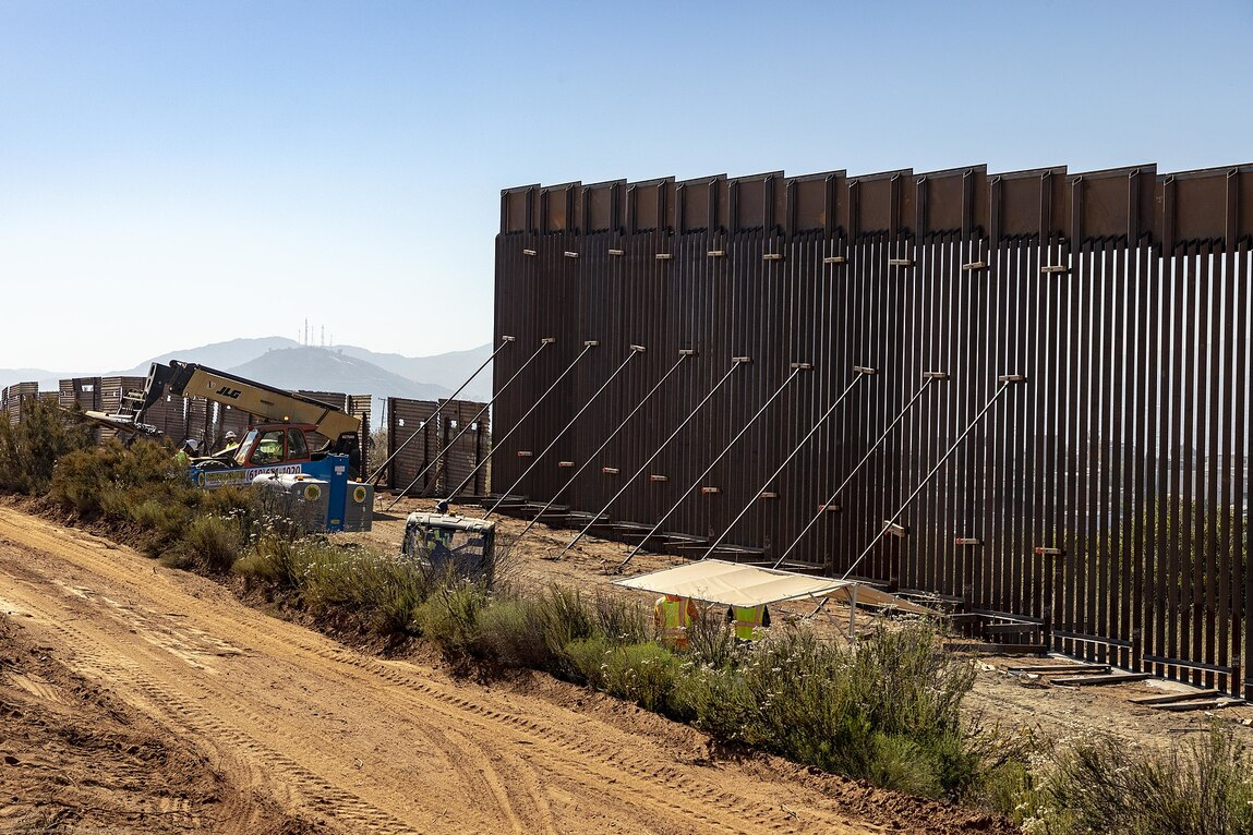Crash That Left 13 Dead In California Involved Illegal Aliens, Smugglers Who Entered Hole In Older Border Fence: Report
