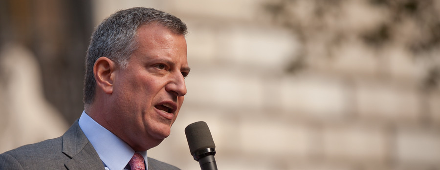 De Blasio Caught in Wrong-Way Car