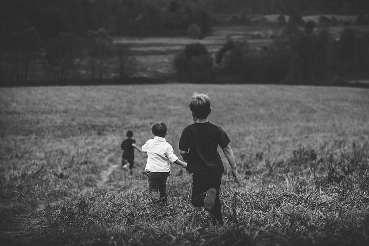 Why I Don't Apologize for Letting My Children Play Freely