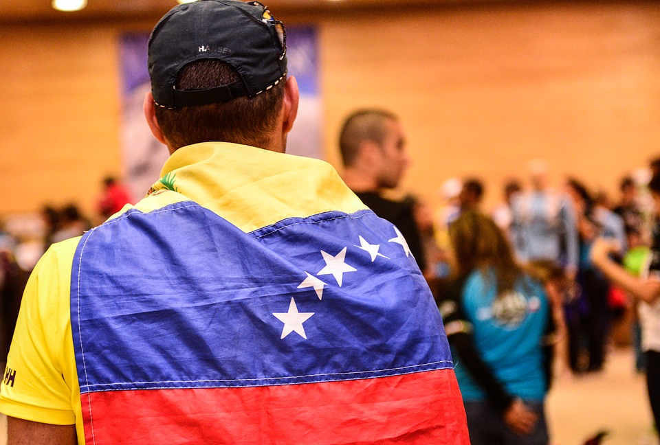 Thousands of Venezuelan Refugees Are Being Saved by a Quirk in Minimum Wage Law