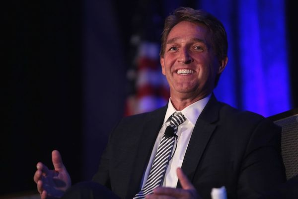 RINO Jeff Flake Makes His Last Stand