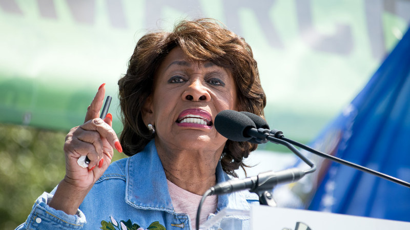Maxine Waters picked a fight with Donald Trump that she instantly lived to regret
