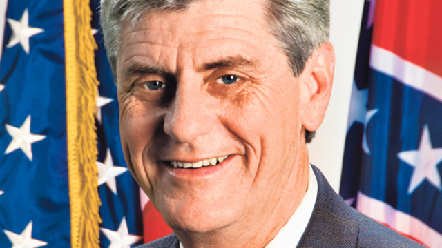 Mississippi Governor Takes On President Over Gun Control
