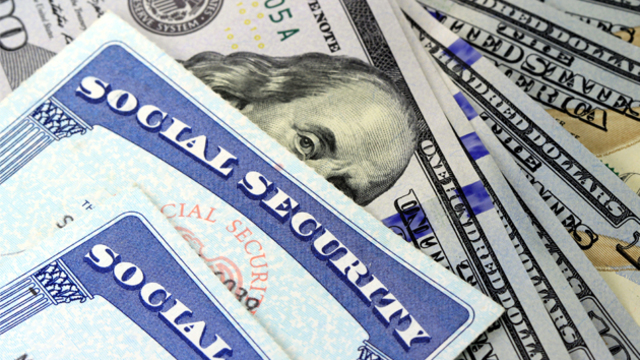 This is how your Social Security retirement benefit could be $5,600 higher each year