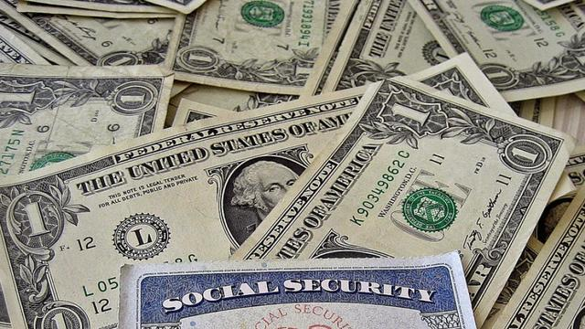 How the Democratic and GOP Platforms Clash Over Social Security Reform