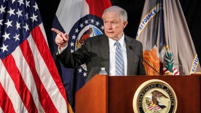 Sessions visits U.S.-Mexico border to push migrant crackdown