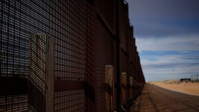 Senate GOP to Back Trump on Border Wall, Risking Shutdown Fight