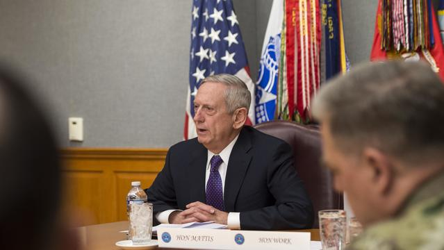 Trump mulling whether to replace Mattis after midterms