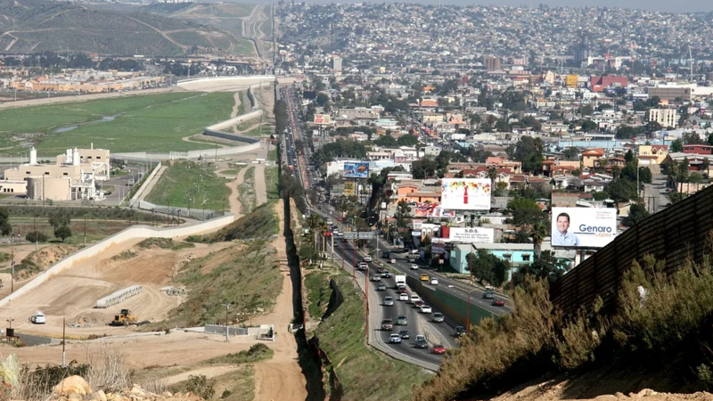 """CBP Finds FAKE """"Families"""" Trying to Cross Border Together."""